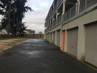 Location garage ext rieur pour garde meuble d ville l s for Garage garde meuble