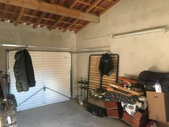 garage s curis clair et d chargement la porte salon de provence 13300 20 0 m jestocke. Black Bedroom Furniture Sets. Home Design Ideas
