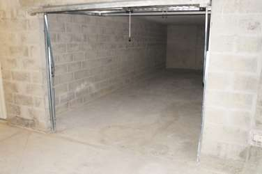 Location garage 30m2